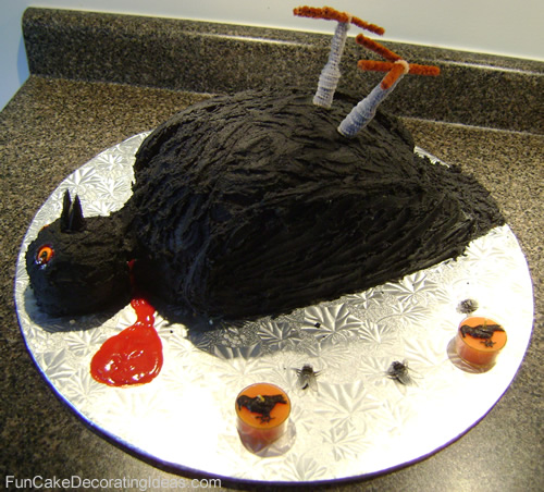Cake Decorating Halloween Theme : Fun Cake Decorating Ideas - Holiday Cakes - Halloween Bird ...
